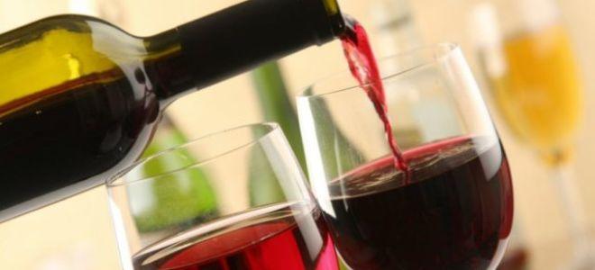 Как открыть вино без штопора проще всего