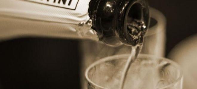 Мартини Асти: цена и описание шампанского